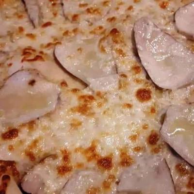 Pizza con funghi porcini